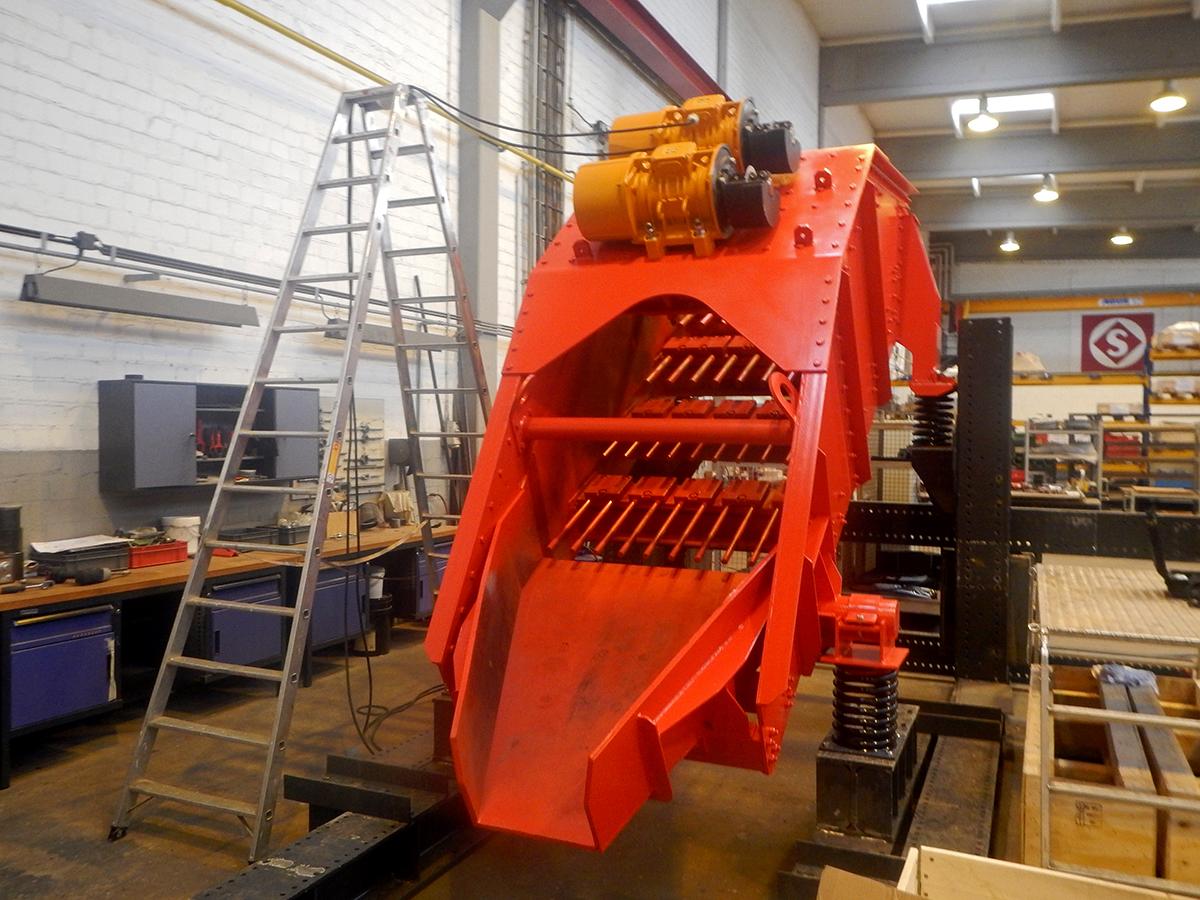 Linear-motion screening machine HR 14-40-I FR Test