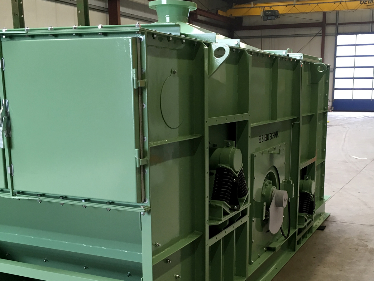 Circular-motion screening machine V 12-30 I L dust guard